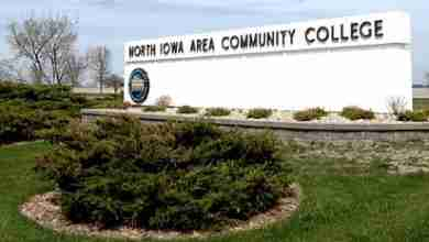 Photo of Charles City & Mason City residents win free tuition at NIACC
