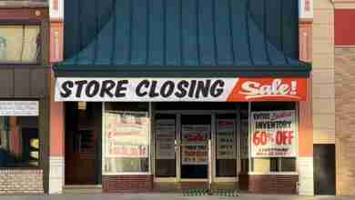 Photo of One of Charles City's main street staples closing doors