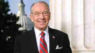Photo of Senator Chuck Grassley to visit Charles City High School